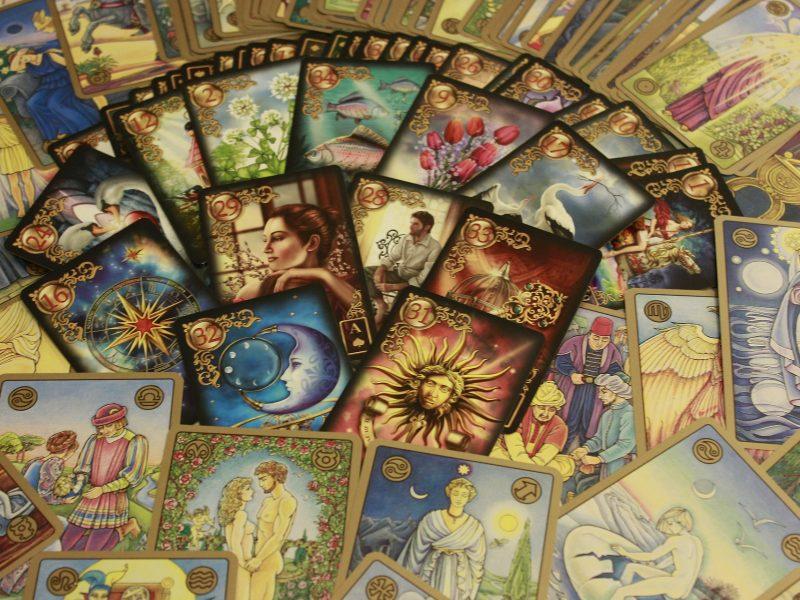 oracle-cards-437688_1920.jpg