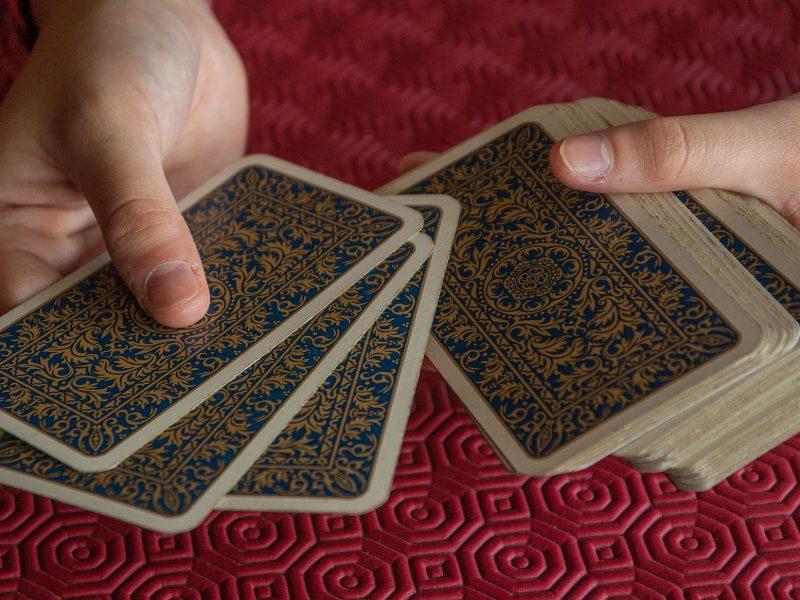 playing-cards-2205554_1920.jpg
